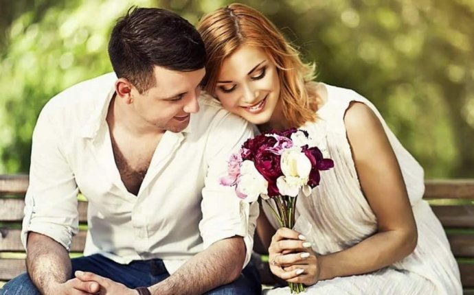 27 Feng Shui Tips to Attract Love and Improve Romance