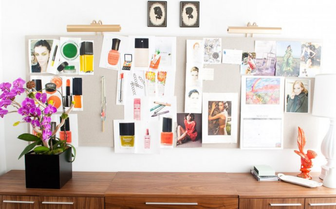 Everything You Need to Know to Feng Shui Your Desk